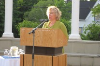 Roslyn Bern – Leacross President